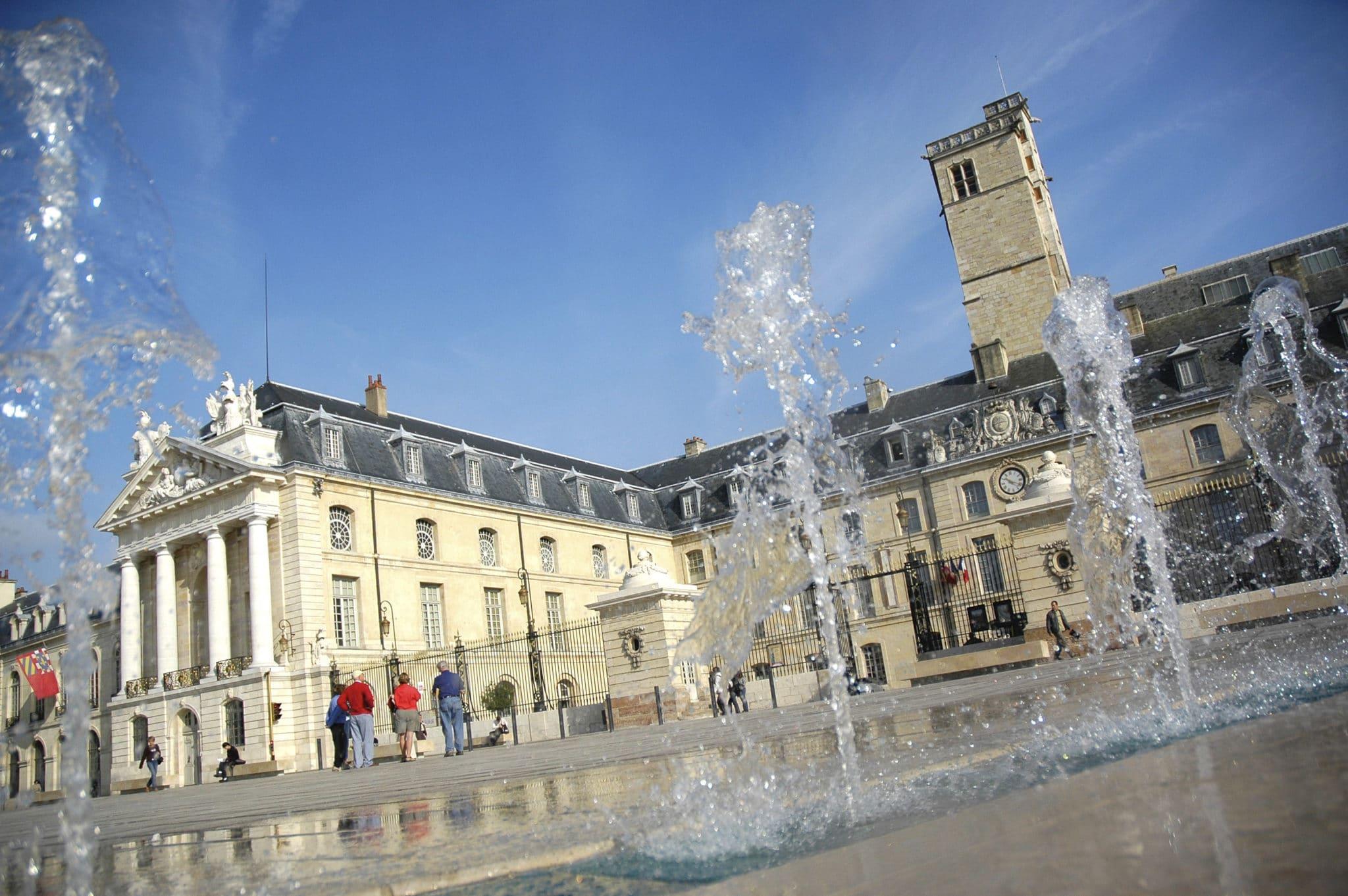 Place de la Libération Dijon ©atelierdemoulin